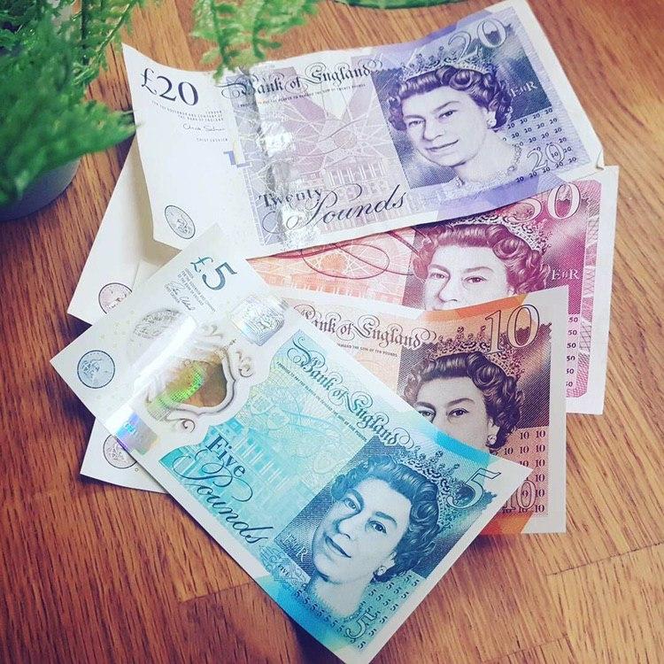 GBP £5 Bills